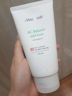 Mamonde AC balance mild foam facial cleanser