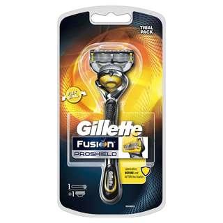 🚚 Gillette Fusion Proshield Razor