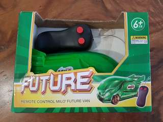 Remote control milo van with headlights