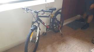 "Children's mountain bike (24"" tyre) with Shimano gear"