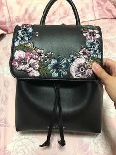 Embroidered Floral Black Pack
