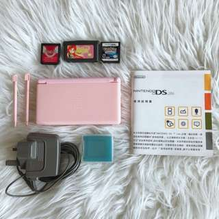 Nintendo DS Lite, with manual, 2 stylus, 3 games and charger, very good condition, no scratches, working well