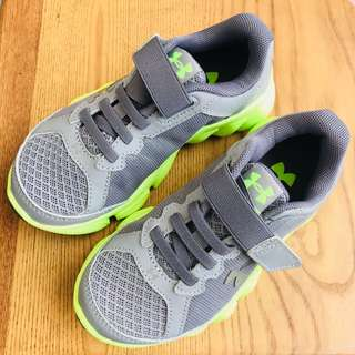 Brand New Under Armour Kids Sneakers (US 11)