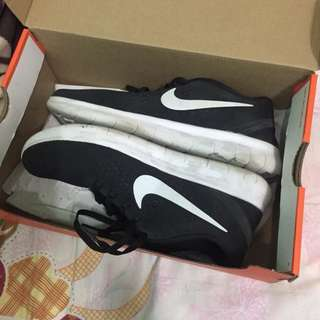 Authentic Nike Womens Free RN