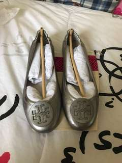 Tory Burch size 7 like new