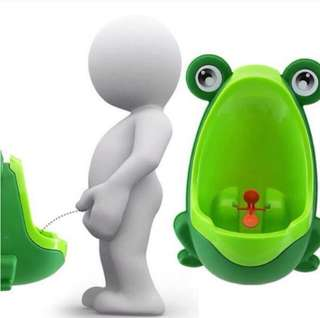 Frog pee trainer potty urinal