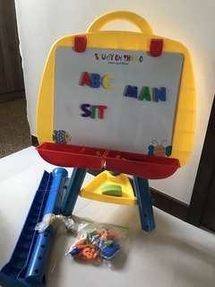 Magnetic whiteboard stand with holder and magnetic alphabets (small cap) and numbers