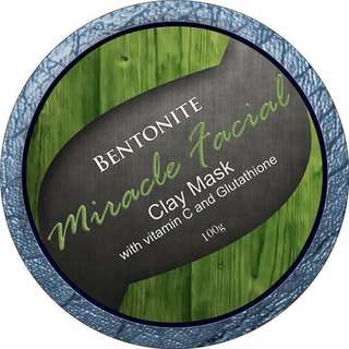 Betonite clay mask
