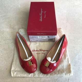 Preloved Salvatore Ferragamo Kids Varina Flats Size 33