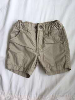 Shorts with adjustable waist
