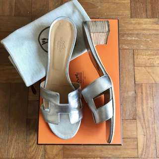 Hermes Oasis sandals (Authentic)