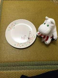 🚚 嚕嚕米盤子和娃娃