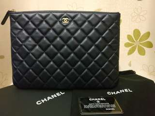 100%real Chanel clutch 深藍色 羊皮 手提包 有card