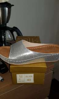 BNIB local brand shoes at giveaway price!