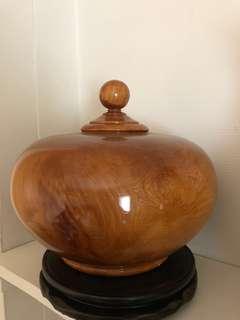 割愛收藏品~台灣檜木超重油聚寶盆~直徑寬20公分,高度20公分