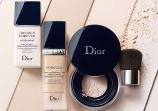 Dior 超完美持久粉底液 010