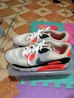 Nike airmax sneaker 4 sale