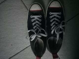 Jual sepatu converse (preloved)