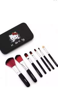 Hello Kitty 7Pcs Makeup Brushes..!!! (Black Pink)