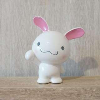 🚚 全新/ 白兔陶瓷存錢筒(有小瑕疵)