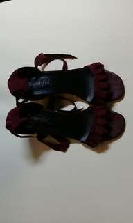 🚚 酒紅 麂皮絨 跟鞋