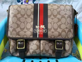 Coach sling bag... Authenthic...