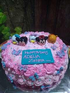 Tsum2 Cake bday