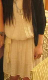 米黃色連身裙(連絲帶)