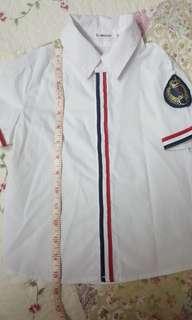 Kemeja Putih (Red & Blue stripe)