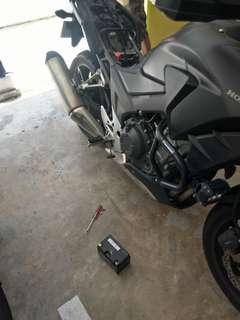 "Bike Been Rescue (Honda Cb400x)             Location: Upper serangoon crescent           Time: 12.26pm (Afternoon)            Date: 22 April 18             Cause: Battery Down (Replace New Battery)           ""Kureiji Response Team""      Emergency Service"