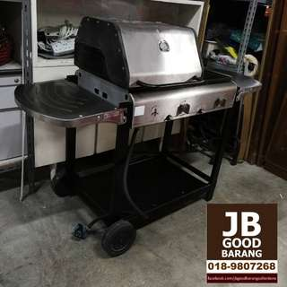 Qwell 3-burner Gas Barbecue Grill with Hot Plate