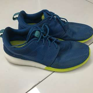 Nike Roshe Run: Military Blue & Venom Green