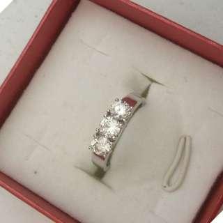 0.68 CARAT DIAMOND  18K WHITE GOLD RING, SIZE (9.5)
