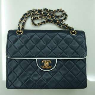 32f2dc6e5d2b Pre-loved Chanel Navy Blue and White Lambskin Medium Classic Single Flap GHW