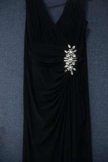 Long black dinner dress for rent