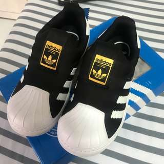 adidas 童鞋