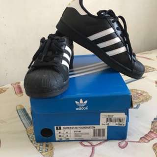 AUTHENTIC Adidas Superstar Black
