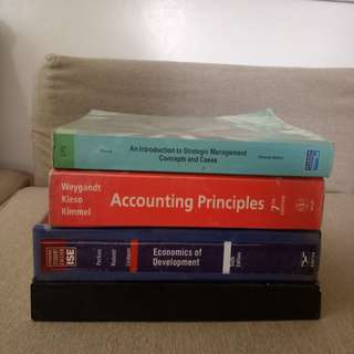 College Books at PHP 150 each