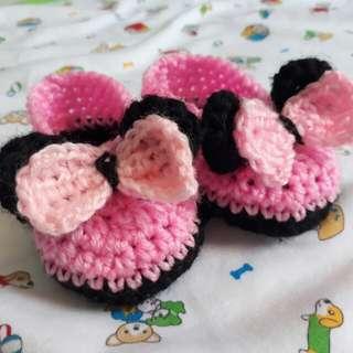 Crochet Minnie Mouse shoes