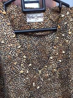 Kemeja leopard lengan panjang