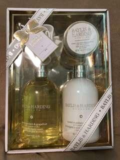 Brand new set of Baylis & Harding body wash and lotion