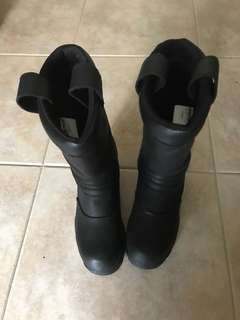 Top boot for firefighter