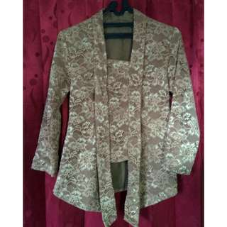 Set kebaya dan rok batik duyung
