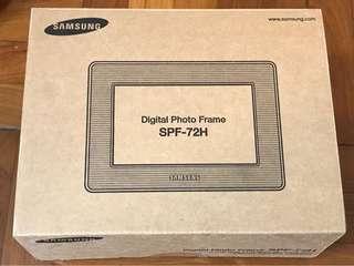 Samsung - Digital Photo Frame