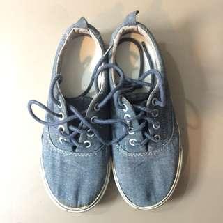 Sale! Old Navy Sneakers