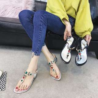 Korean version of the rhinestone thong sandals 2018 summer color diamond buckle thick with the beach sandals pinch Rome female shoes