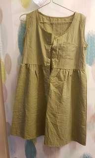 軍綠渡假風連身裙