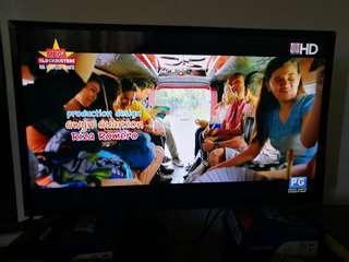 SKYWORTH HD ready 32inches TV