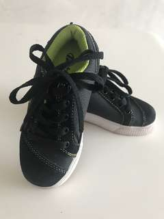 Heelys Shoes for boy and girl ( unisex)