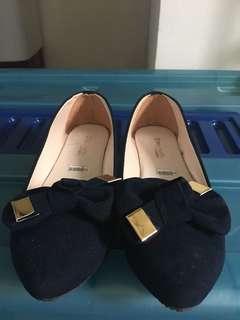Flat shoes sepatu plat